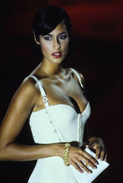 Versace Spring 1995 Ready-to-Wear Fashion Show Model: Yasmeen Ghauri