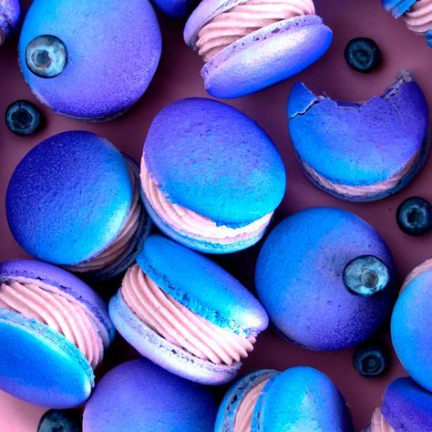 Learn to make these Blueberry Cheesecake Macarons! They're so pretty and they taste to yum!  #TheScranLine #NickMakrides #DIY #Baking #Macarons #EarlGrey