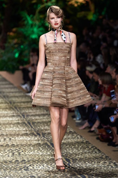 Dolce Gabbana Spring 2020 Ready To Wear Fashion Show Com