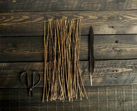 Natural Dried yarrow Divination set witchcraft tools Dried yarrow stalks stems sticks witchery incantation magic, magical supplies.  cleromancy method using the I Ching, Divination Tools, achillee  50 yarrow stalks and 1 spare 30cm long   Feel free to ask any questions.  Best regards, 7LeafShop.    #driedyarrow #yarrow #yarrowstalks #yarrowstems #yarrowsticks