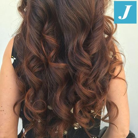 Le sfumature autunnali si spostano tra i capelli... #cdj #degradejoelle #tagliopuntearia #degradé #igers #musthave #hair #hairstyle #haircolour #haircut #longhair #ootd #hairfashion