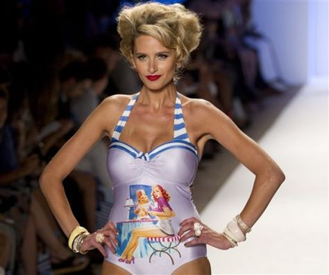 Wear - 1950s inspired swimwear, love the pin-up but modest look
