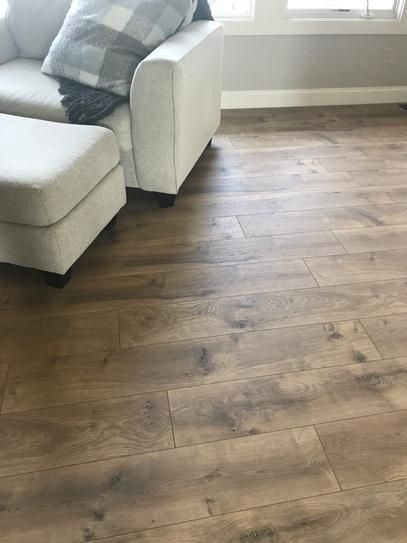 Pergo Xp Riverbend Oak 10 Mm T X 7 48 In W X 47 24 In L Laminate Flooring 19 63 Sq Ft Case Lf000773 The Home Depot Oak Laminate Flooring Lvp Flooring Wood Floors Wide Plank