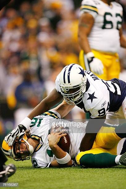 Demarcus Ware Of The Dallas Cowboys Sacks Aaron Rodgers Of The Green Bay Packers At Texas Stadium November 29 2007 I Cowboys Dallas Cowboys Dallas Cowboys Fans