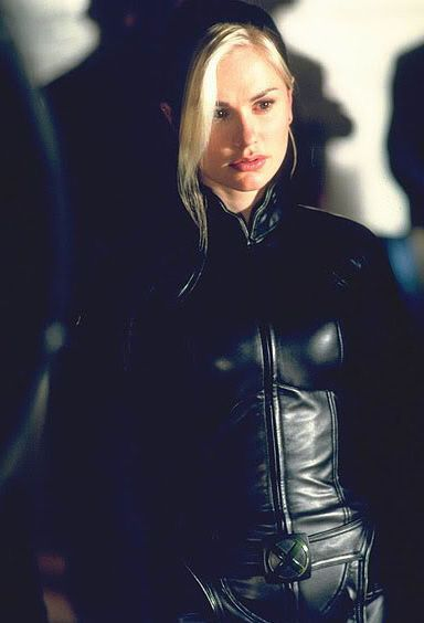 Marie D Ancanto Rogue Anna Paquin In X2 X Men United 2003 X Men Rogue Cosplay X Men Evolution