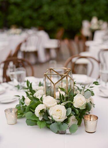 بائع الزهور في مقاطعة أورانج زهور من جيني ويدينج وبائع زهور In 2020 Flower Centerpieces Wedding Wedding Table Centerpieces Cheap Wedding Table Centerpieces