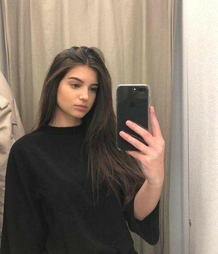 Pin Von Ani Karapetyan Auf Ma Jolie Fille In 2020 Fashion Fotografie Modefotografie Braunhaariges Madchen