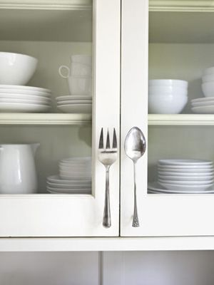 """Fork & Spoon Door Pulls by countryliving: Easy with 1"""" aluminum screwposts and bonding glue. DIY tute ---"""