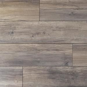 Home Decorators Collection Eir Waveford Gray Oak 12 Mm Thick X 7 1 2 In Wide X 50 2 3 In Length Laminate Flooring 18 42 Sq Ft Case Hdcwr02 The Home De In 2020