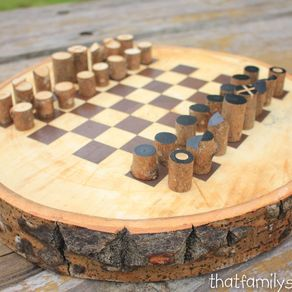 Chess Board On A Log Slice With Simple Log Playing Pieces By Andrew Lund Diy Chess Set Chess Board Wood Chess