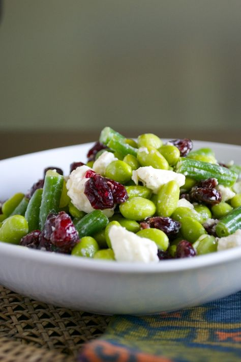 Healthy Edamame Salad - it's simple and so flavorful!