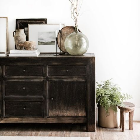 Pottery Barn Media Console, Pottery Barn Entryway, Pottery Barn Style, Home Living Room, Living Spaces, Living Area, Console Table Styling, Classic Furniture, How To Antique Wood