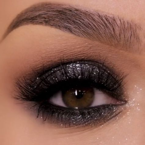 Pretty Cool Eyeshadow Palette