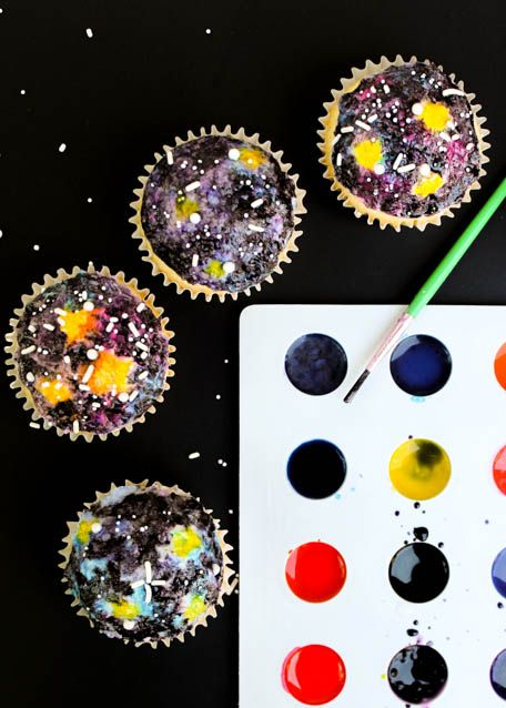 How to make your own homemade galaxy cupcakes! | The Baking Robot