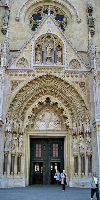 Pin Di Chelsea Dicey Su Everyone S Creative Travel Spot Zagabria Croazia Cattedrali