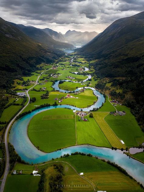 Stryn, Norway (aka the Great Valley in the Land Before Time) Places To Travel, Travel Destinations, Nature Photography, Travel Photography, Photography Training, Canon Photography, Foto Blog, Destination Voyage, Nature Pictures