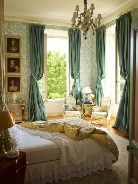 Timothy Corrigan's Restored French Chateau du Grand-Luc // venice's room maybe? Casa Steampunk, Interior Design Photos, French Interior Design, Country Interior, French Interiors, Interior Inspiration, Traditional Bedroom, French Decor, French Chateau Decor