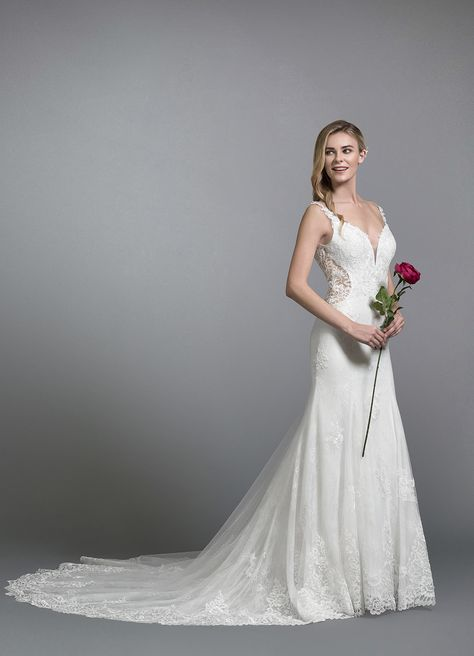 0be838bc0 Want a dramatic hourglass silhouette without compromising comfort? Our  'AMELIE' gown features a waist contouring cutout with a lace overlay, ...