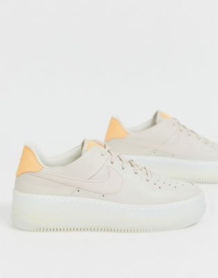 Air Force 1 07 Lx Baskets Basses Nike Air Force 1 Sage Low Lx Trainers In Beige