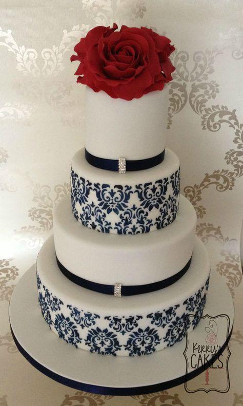 <3 painted damask cake