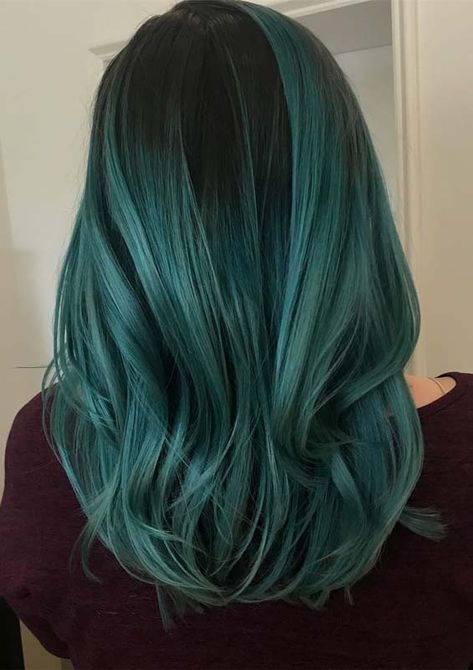 Modern And Most Beautiful Shades Of Green Hair Colors And Highlights For Various Hair Lengths Fashio Green Hair Colors Hair Color Highlights Hair Color Trends
