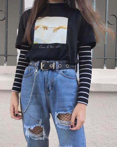 25 Outstanding Grunge Outfits Ideas For Women Outfits edgy outfits Retro Outfits, Vintage Outfits, Teen Fashion Outfits, Tomboy Fashion, Cute Casual Outfits, Grunge Fashion, Summer Outfits, Fashion Women, Hipster Outfits For Women