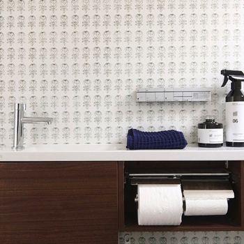 壁の一面だけ好きな色 アクセントクロス でお部屋がぐっとお洒落になる キナリノ トイレのデザイン インテリア インテリア 実例
