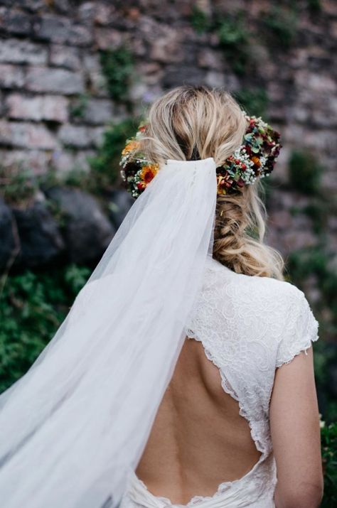Long veil and open back
