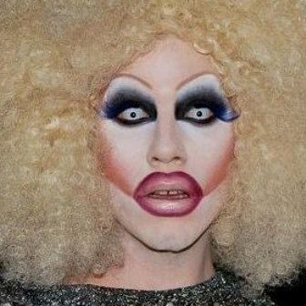 Drag Queen Christmas 2020 Pittsburgh 💜💜💜💜 . . . #sharonneedles #rpdr4 #winner #dragqueen #drag