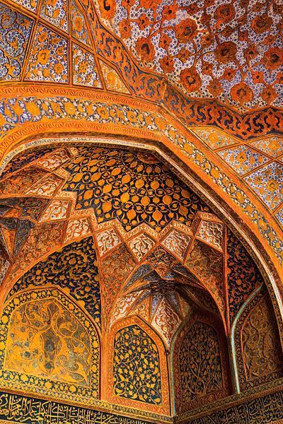 islamic architecture photography The colourful interior of the Tomb of Akbar the Great, an important Mughal architectural masterpiece built in Sikandra, a suburb of Agra.