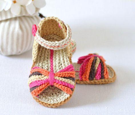 CROCHET PATTERN Baby Sandals Paris Style Baby por matildasmeadow