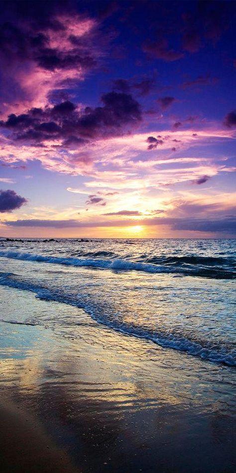 Pic of the Day...Maui 🌤️ ------------------- #beach #sunset #sunsets #sundown #tropics #travel #hawaiibeachessurfing