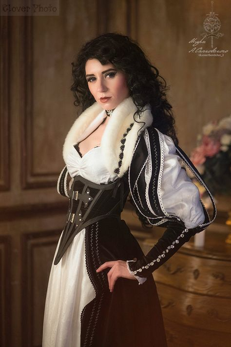 Yennefer, character from The Witcher books by Andrzej Sapkowski Costume designer, model - GreatQueenLina Photo - Clover . The Witcher books - Yennefer of