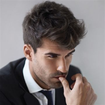 The neo-pompadour/american crew step-by-step Mens Haircuts Straight Hair, Mens Messy Hairstyles, Mens Hairstyles Pompadour, Medium Curly Haircuts, Haircuts For Men, Mens Wedding Hairstyles, Ftm Haircuts, Hairstyle Men, Permed Hairstyles