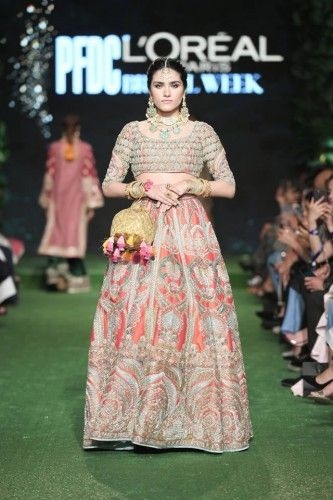 Hussain Rehar Is The Leading And Most Prominent Fashion Designer And This Fashion Designer Has Launch Pakistani Wedding Dresses Unique Dresses Dress Collection