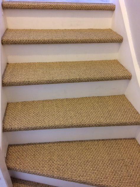 Resultat De Recherche D Images Pour Escalier Jonc De Mer Escalier Relooking Moquette Escalier Deco Cage Escalier