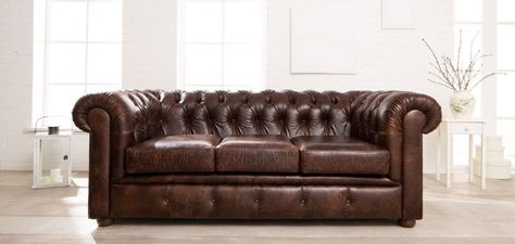 Chesterfield sofa leder  Vintage oxblood leather three seater Chesterfield sofa. Has the ...