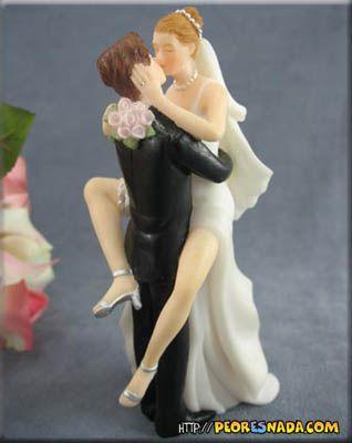 Resultados de la Búsqueda de imágenes de Google de http://peoresnada.com/pictures/h/wedding_cake11.jpg