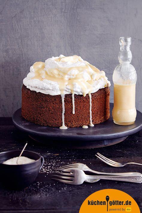 WALNUSSTORTE MIT SAHNE UND EIERLIKÖR - Diese glutenfreie Torte ist saftig und nicht so süß, und trotz Sahne & Co. doch so leicht, dass man danach - gefühlt - immer noch Berge versetzen könnte!