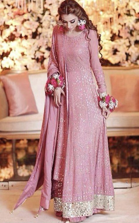 Bride on her baat pakki Wearing lajwanti