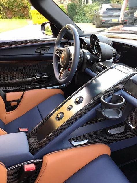 Unique Interior In A 918 Weissach Look Nice Porsche Porsche911 Porschelife Cayenne Cars Car Porsche How To Look Better Interior