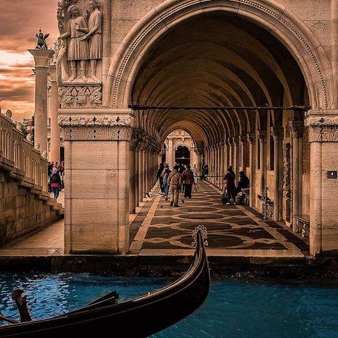 veneto November Venice . . . . . . ....