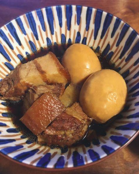 トロトロラフテー定食 + + ザワコメ🍳🥚🥕🍅🍆🍗🐷🐮🍲🍙🍴🍞🍤 何度も作ってはこれ!ってのが作れなかったラフテーでしたが、やっと今日90%いー感じのができた😂 沖縄さんの皮付き豚バラブロックを取り寄せて、だいたい3時間かけて作る。沖縄出身の旦那様も美味しいと褒めてもらえたよ🥰 + + menu✏️ ◉ラフテー ◉具沢山のお味噌汁 ◉クレソンのサラダ ◉白ごはん + + #ランチ#ディナー#弁当#おべんとう#おうちごはん#記録#献立#クッキングラム#ホームメイド#料理#手料理#料理#おいしい#今日の料理#素人飯#ラフテー#breakfast#dinner#bento#instafood#lunch#cooking#foodpic#japanesefood#food#homemade#lunchbox#ouchigohan#lovefoodtoomuch
