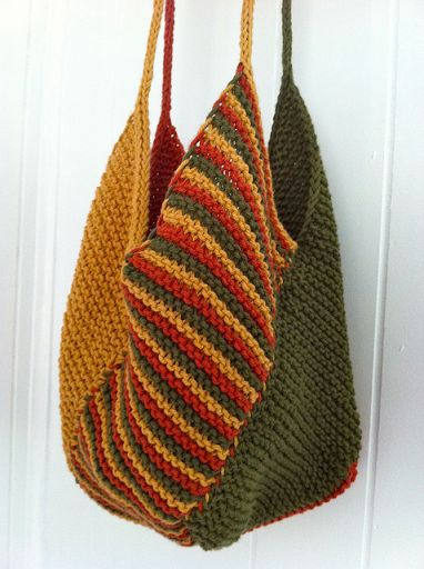 The Windmill Bag : Windmill Bag Free Pattern available at peanutbutteryelle…. Super fast knit made with my ladies on our super cool swimming retreat. CO 20 stitches for each panel. Only drawback here is the stitching up, but the slip stitches on the side… Crochet Blanket Patterns, Crochet Stitches, Knit Crochet, Knitting Patterns, Sewing Patterns, Crochet Crafts, Yarn Crafts, Purse Patterns Free, Free Pattern
