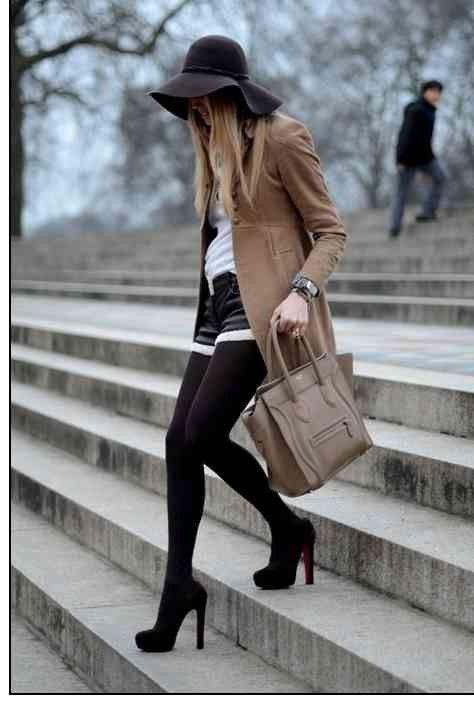 23 Stylische Outfit-Ideen mit Shorts und Strumpfhosen