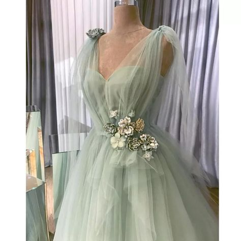 New boutique plus size soft apple green tulle gown with floral embellishments. More pictures coming soon. Size 20 measurements: Bust 47 Waist 40 Hips Length chest down 61 Size 22 measurements: Bust 49 Waist 43 Hips Length chest down 61 Elegant Dresses, Pretty Dresses, Beautiful Dresses, Formal Dresses, Vintage Prom Dresses, Vintage Ball Gowns, Frilly Dresses, Pretty Outfits, Stylish Outfits