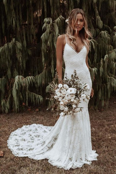 Lace Mermaid Wedding Dress, Bohemian Wedding Dresses, Dream Wedding Dresses, Bridal Dresses, Lace Weddings, Gown Wedding, Fitted Lace Wedding Dress, Wedding Rings, Ivory Wedding Dresses