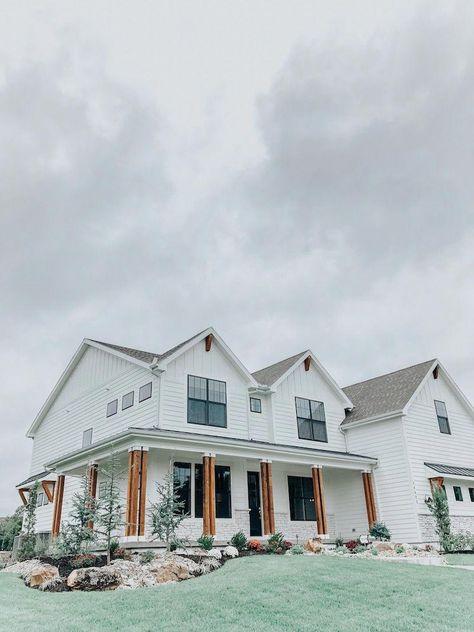 Wendy Correen Smith: A Modern Farmhouse - Parade of Homes, White House Black Windows Cedar Post, Home Tour #farmhouseremodel