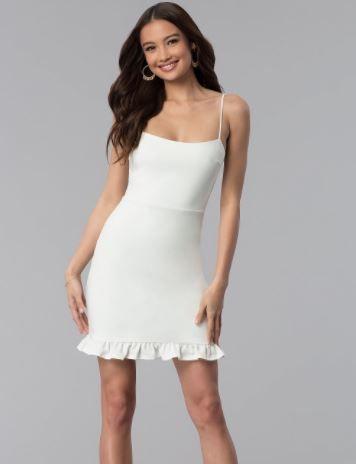 0ecc5cce89feb 2019 Abiye Modelleri ve Şık Gece Elbiseleri Beyaz Kısa İp Askılı Etek Kısmı  Fırfır Detaylı
