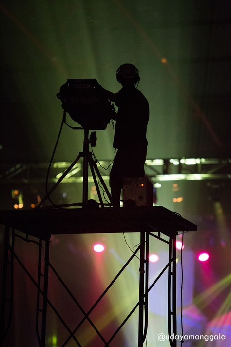 lighting technician. Lighting Technician, The Unsung Hero In Every Concert | Stage Photography Pinterest Hero, Jazz Festival And Technician